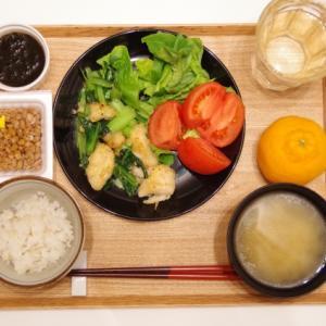 鶏むね肉と小松菜の姜葱醤(ジャンツォンジャン)炒め