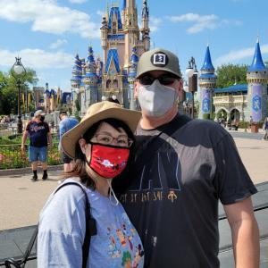 アメリカとディズニーの、コロナ対策マスク規制の柔軟化