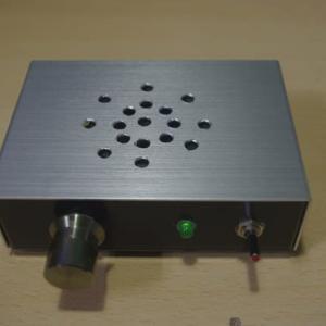 格安低周波発振器ケースに入れてみた。
