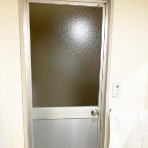 【洗面所DIY】youtubeUP!バスルームドアのホワイト化