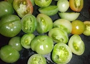 9/29   青いミニトマトでピクルス作り