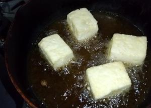 3/2 安い木綿豆腐ともやしで一品