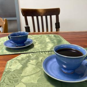 お客様からいただいた嬉しいお声-青釉のカップ&ソーサ