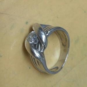 ダイヤモンドリングのサイズ直し