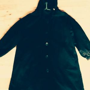 コートのボタンと紐を変えた