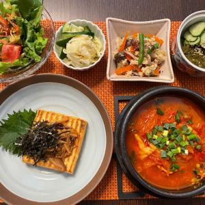 キムチチゲと粉豆腐。