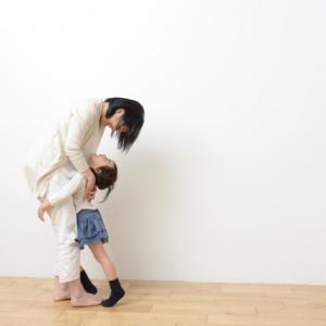 人の声は、親が子どもの精神状態を落ち着かせるための最も有効なツール