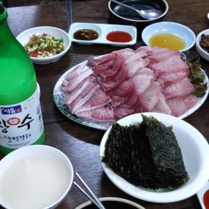 韓国の刺し身は大きさがイマイチなのだ