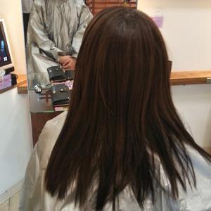 いつもキレイでいたい。サラサラな髪の2ヶ月に一度矯正のお客様!