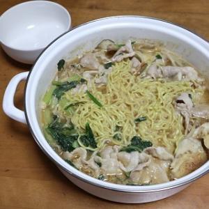 ピリ辛みそ味の鍋