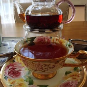 朝から中国紅茶でまったりこ