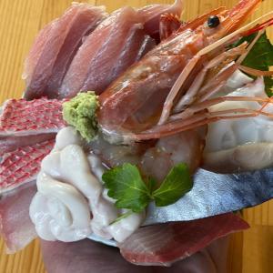 お昼ご飯〜海鮮丼〜
