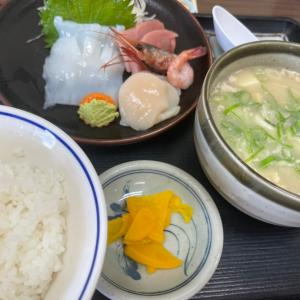腹いっぱい定食!!!でもね〜( ´Д`)y━・~~
