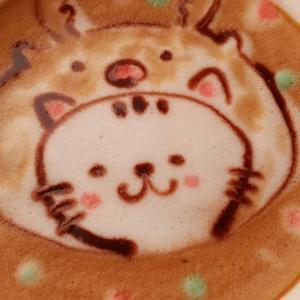 いちごはハナちゃんとカフェに行きました