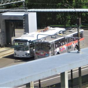 関電トンネル トロリーバス 新車