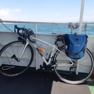 島にロードバイク