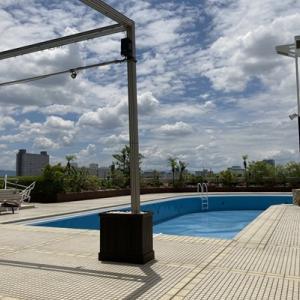 大阪のプールでひと泳ぎ!とはならず