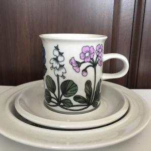 Arabia Flora コーヒーカップ&ソーサー&17.5cmプレートの画像