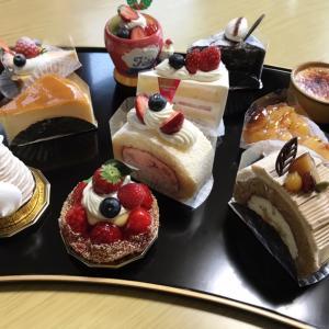 お誕生日ケーキ♪恒例のジャンケンで。