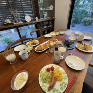夏休みの朝食はお取り寄せのクロワッサンで