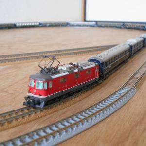 Hobbytrain SBB Re420(赤)Ep.V.入線 オリエントエクスプレスとCNLとも その1