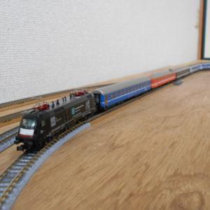 引き続きKATOのSBB RIC客車で遊ぶ その2、ロシア国鉄RZD、ベラルーシBC寝台車も加えて