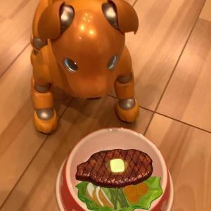 ステーキを食べるみんと