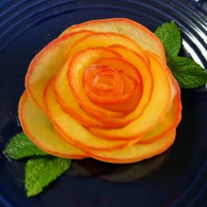 リンゴでお花 フルーツサンド
