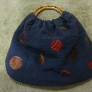 水玉模様のバッグをもう一つ。