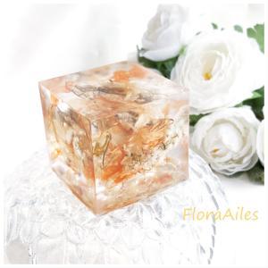 ◆フラワーオルゴナイトをお届けしています♪透明感がお花にマッチします