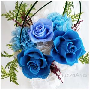 ◆ブルーのお花達を贈り物にお選び頂きました♪