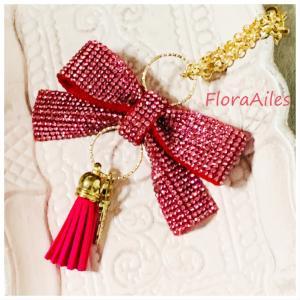 ◆ピンクのマリアンジュリボンはバッグチャームとしてお楽しみ頂けます♪