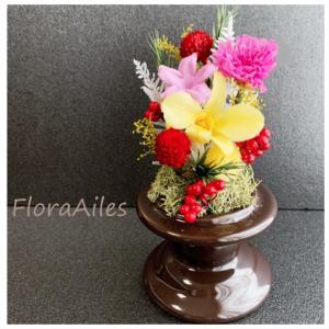 ◆故人を偲ぶお供えのお花は明るめの華やかなお花でお届けです♪