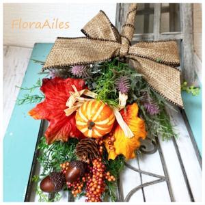 ◆オーダーレッスンはハロウィンに向けて飾られるスワッグをお作り頂きました♪
