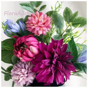 ◆墓地のお供え用のお花は生花の様な仕上がりです