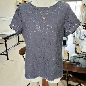 レースの半袖Tシャツ(カットソー生徒作品)