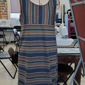 ボーダーニットのTシャツ&ジャンパースカート(カットソー生徒作品)