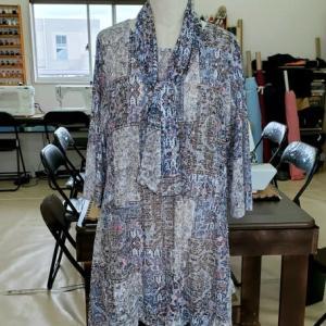 綿ローンニットで裾が四角のチュニック(カットソー生徒作品)