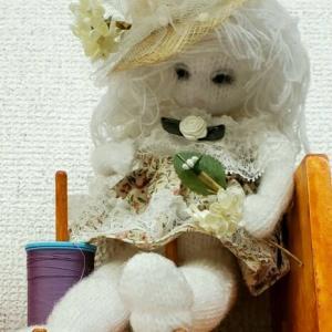 大きな襟のコート(生徒作品)&軍手の人形