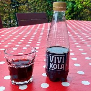 80年の歴史があるスイスのヴィヴィ・コーラ
