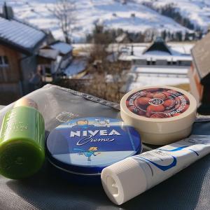 極乾のスイスの雪山で、NO粉ふきチャレンジ