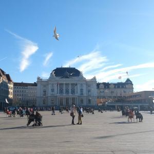 チューリッヒ観光、おすすめは湖畔沿いの遊歩道