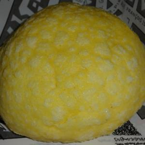 日本発祥の定番の菓子パン 【DONQ(ドンク)】の琥珀バターのメロンパン