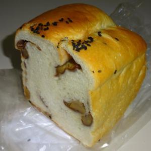 人気No.3 【食パン専門店 プルンニャ】の渋皮マロン