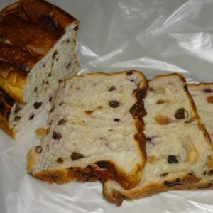 ぶどう好きにはたまらない食パン 【#ハッシュタグパン】のぶどうパン