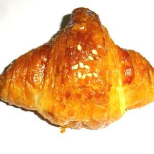 米粉パン特有のもちもち感と味わい 【MIGNON(ミニヨン)】のミニクロワッサン(米粉)