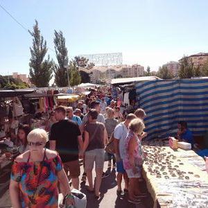 フエンヒローラ人気のマーケット
