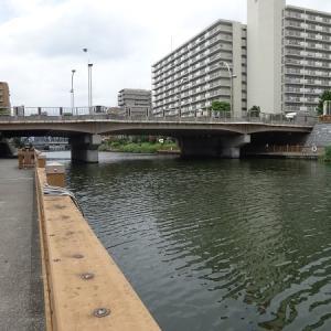 小名木川に沿って歩く その8 小名木川橋、小松橋、そして扇橋閘門へ