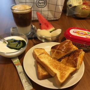 今日の朝ごはんと梨食べ比べ