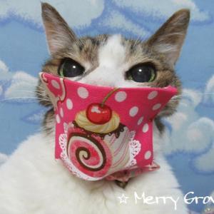 手作りマスク♪モモノマスク~♪(=*^ ェ ^*=)